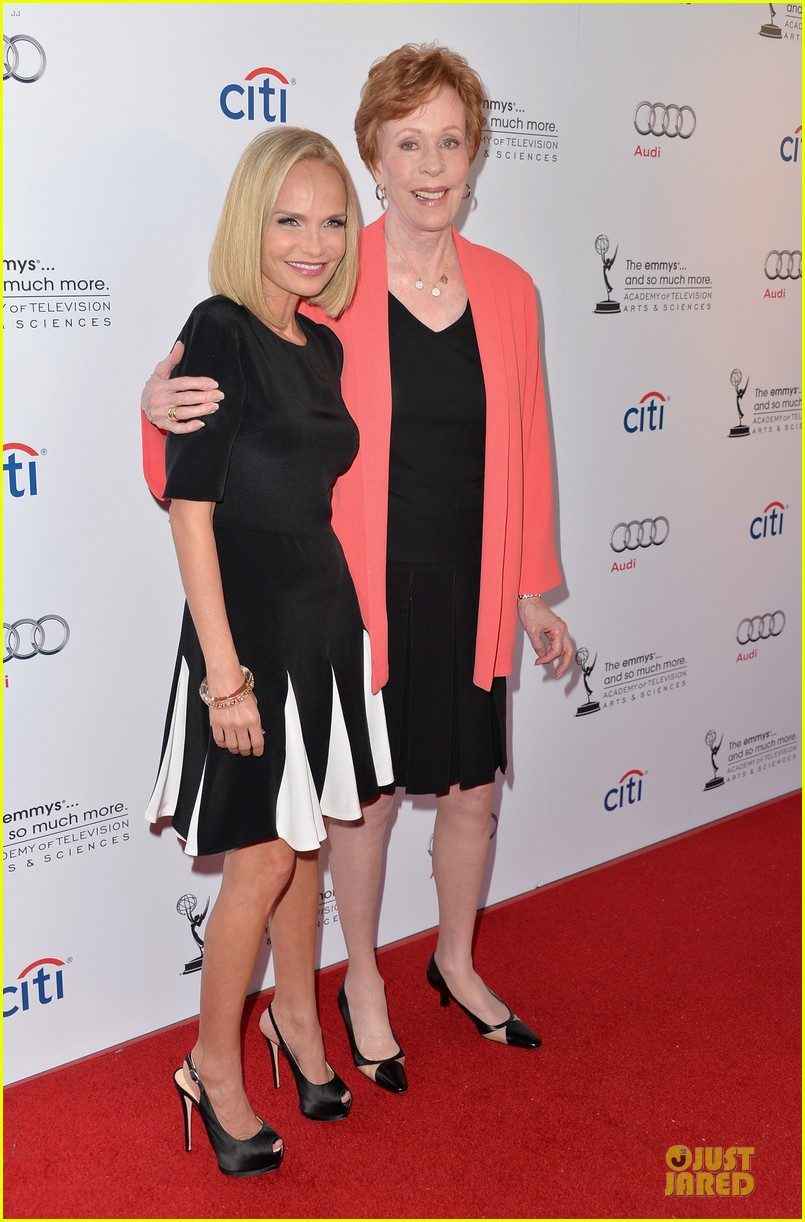 kristin chenoweth spends evening with carol burnett 122914941