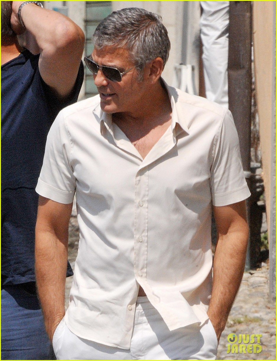george clooney seen smiling after stacy keibler split 042907228