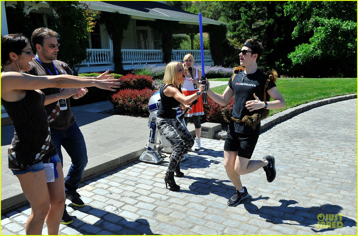 chris colfer alyson hannigan course of the force relay 142906971