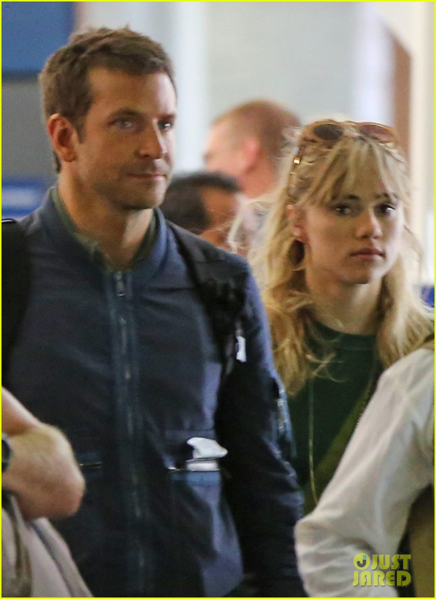 bradley cooper suki waterhouse hawaii vacation 02