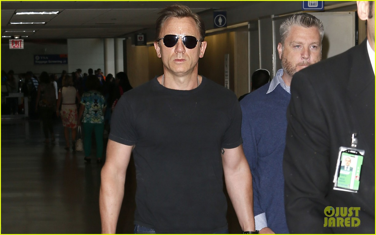daniel craig lax arrival after australian rugby game 032905632