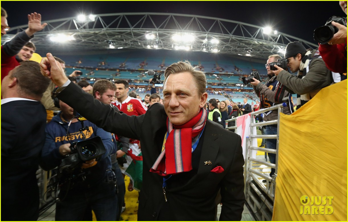daniel craig lax arrival after australian rugby game 052905634