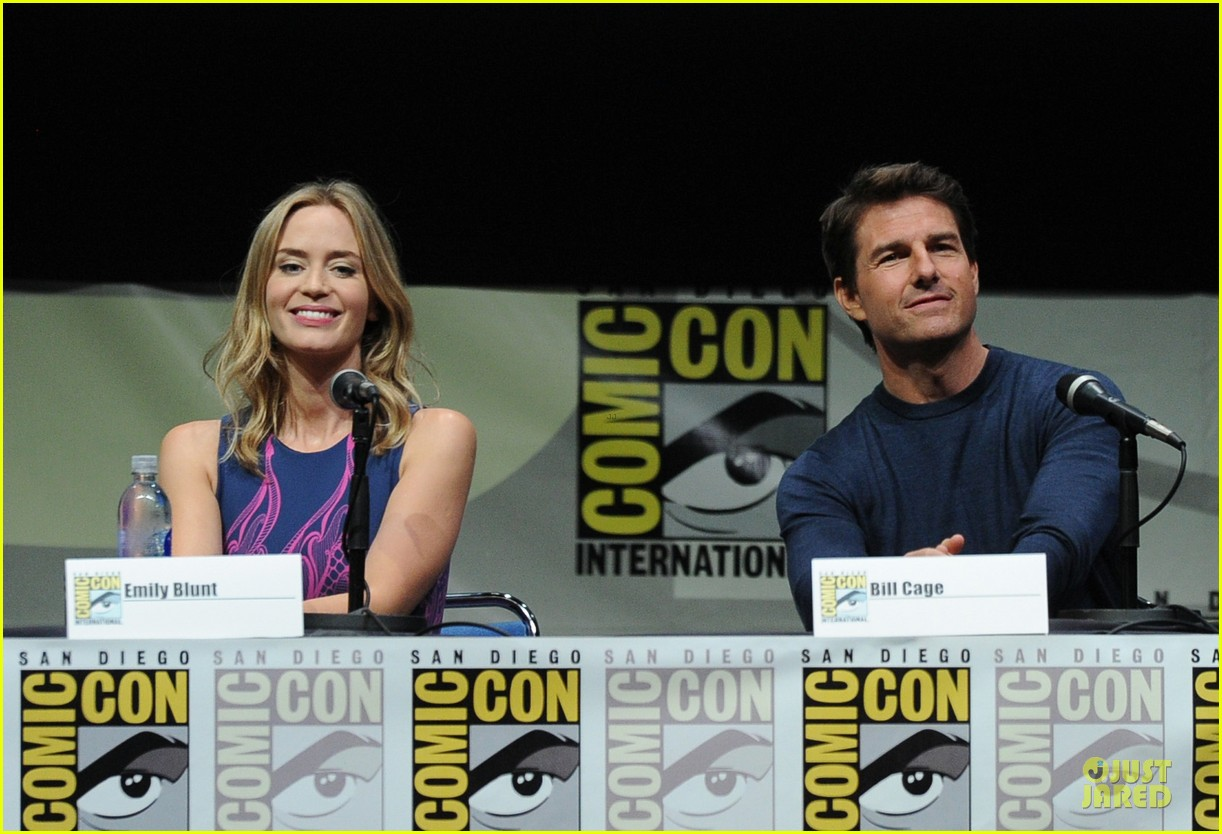 tom cruise emily blunt edge of tomorrow at comic con 17