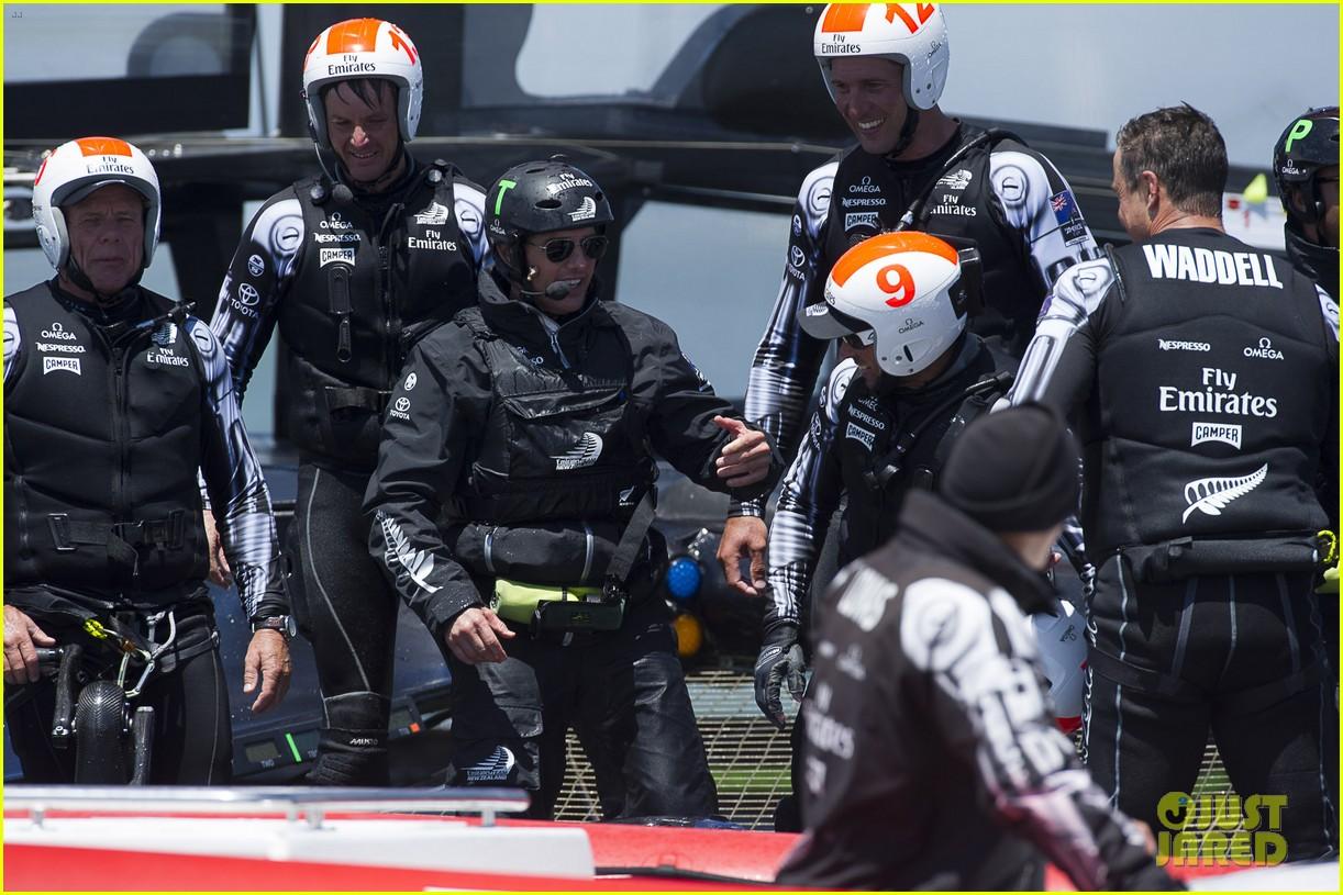 tom cruise connor emirates team new zealand sailing race 112919413