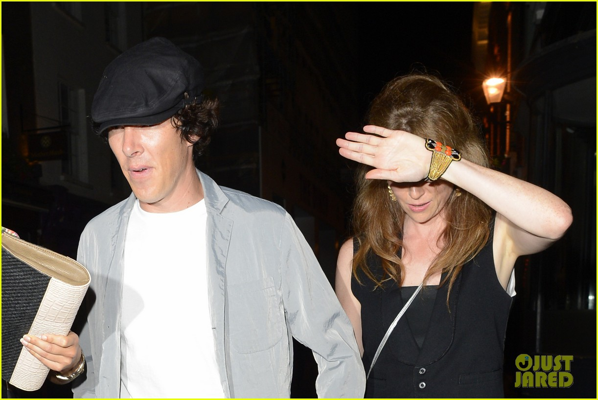 benedict cumberbatch mystery gal hold hands in london 042918435