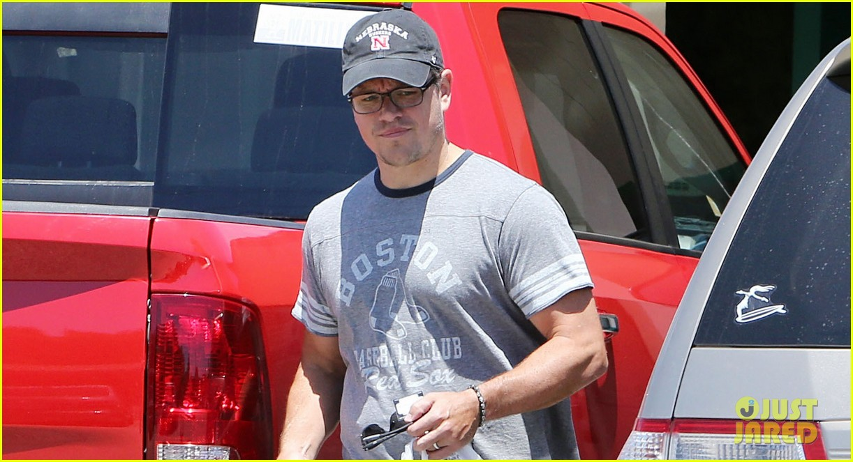 matt damon pharmacy stop after jimmy kimmels wedding 02