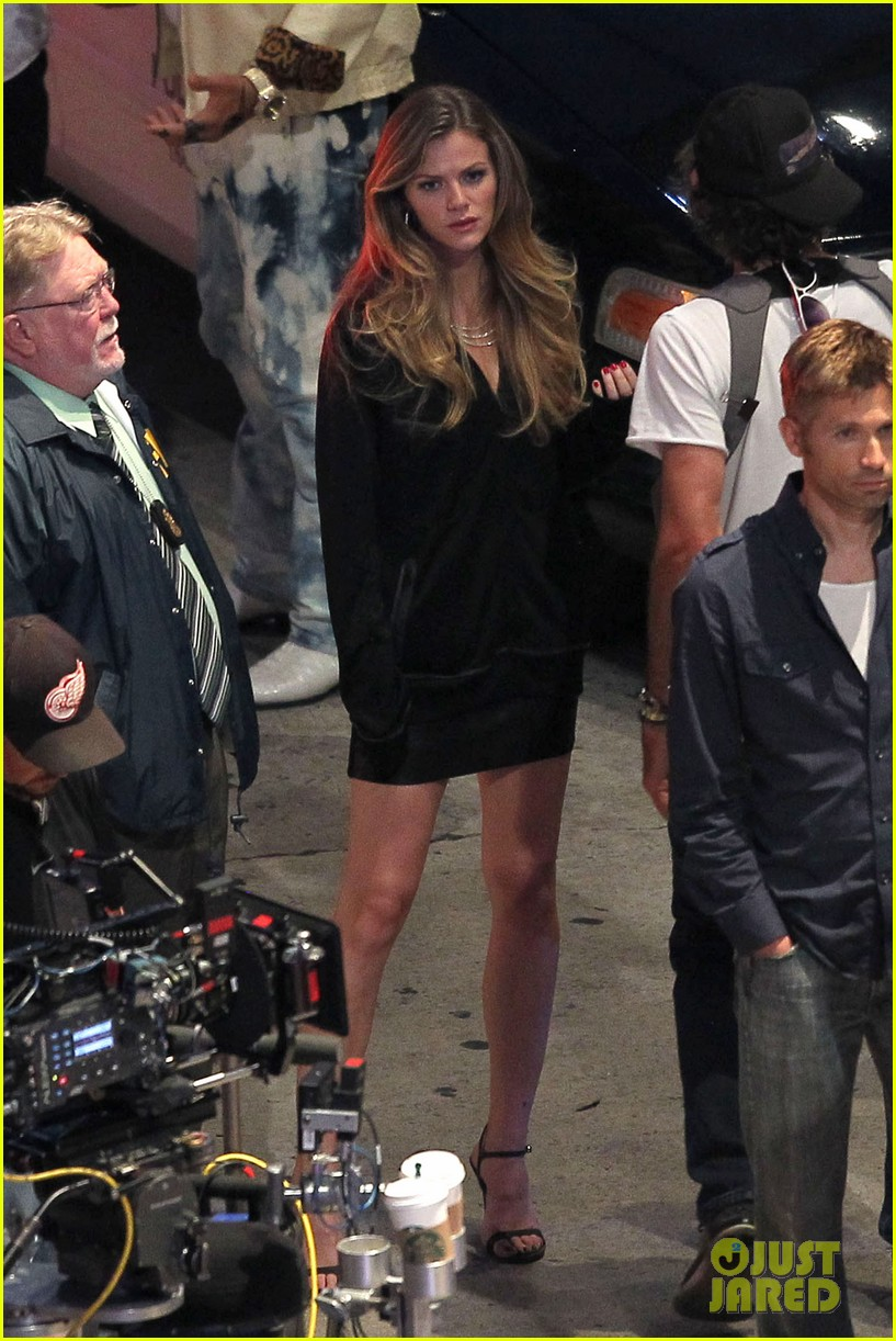brooklyn decker chris pine film stretch at night 082910874