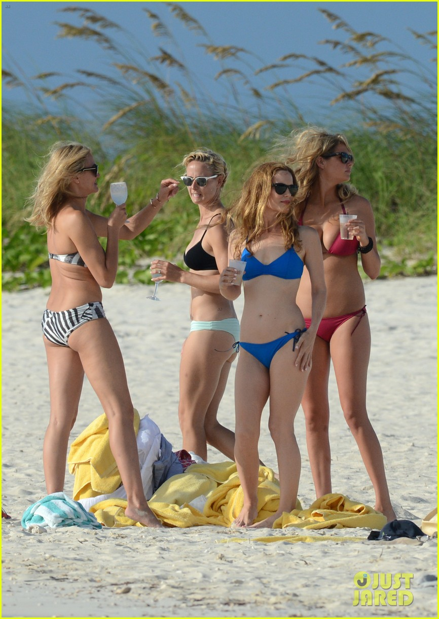 cameron diaz kate upton bikini babes in the bahamas 08