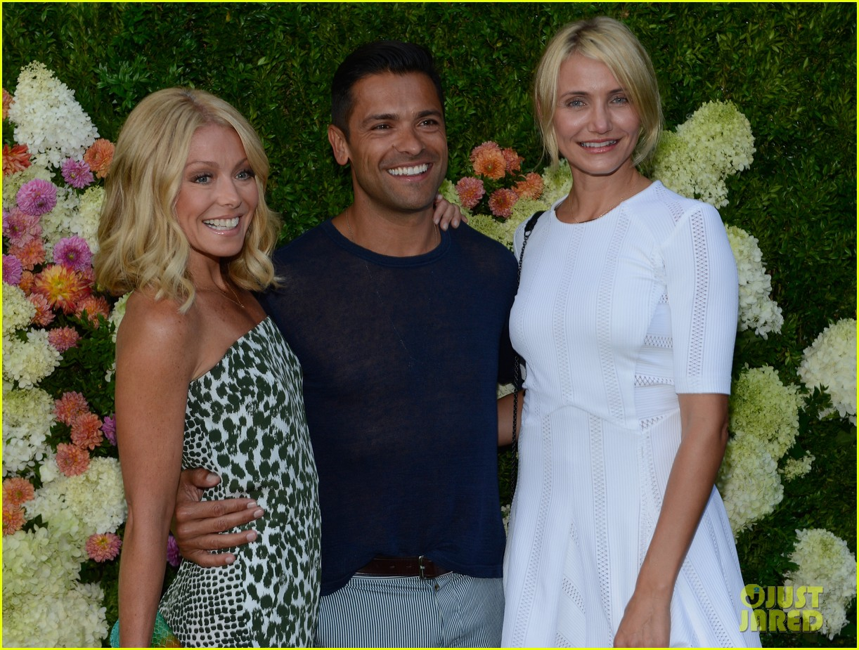 cameron diaz naomi watts baby buggy event 162919301