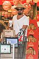 leonardo dicaprio fourth of july grocery shopping 14