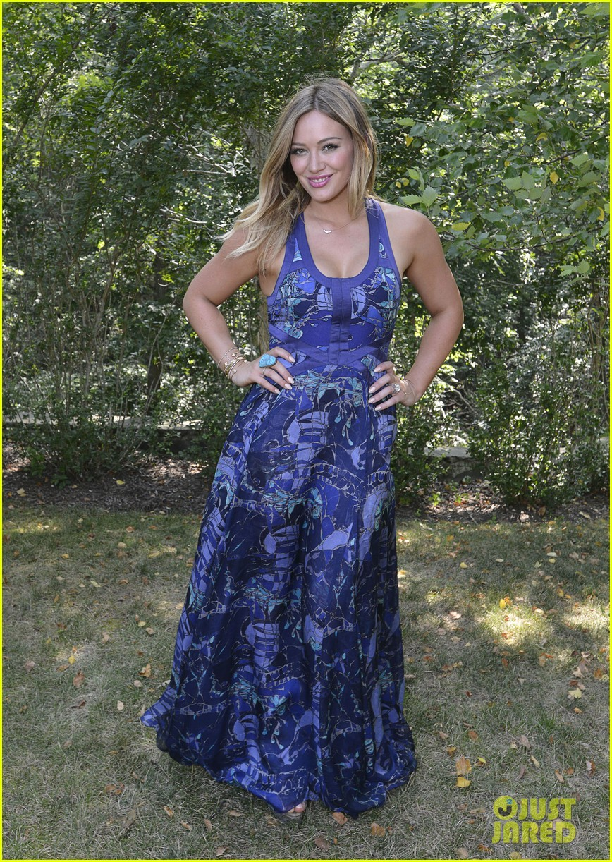 hilary duff fiji water days of summer host 052913744