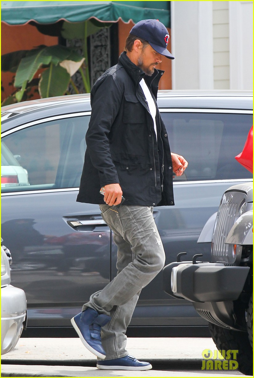 josh duhamel taking time off after baby is born 03