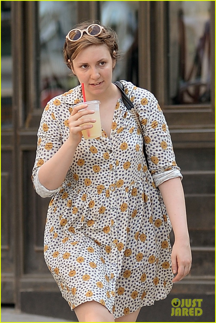 lena dunham lemonade lady 04