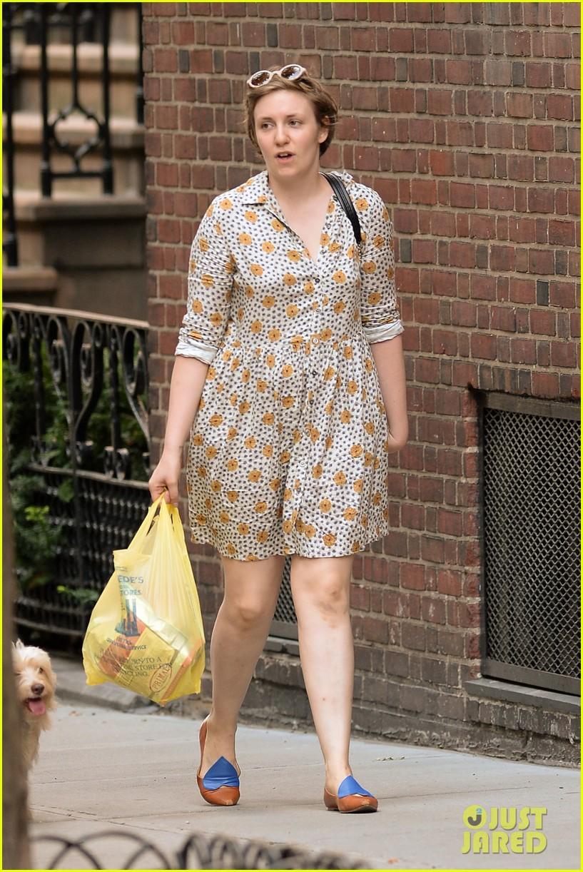 lena dunham lemonade lady 13