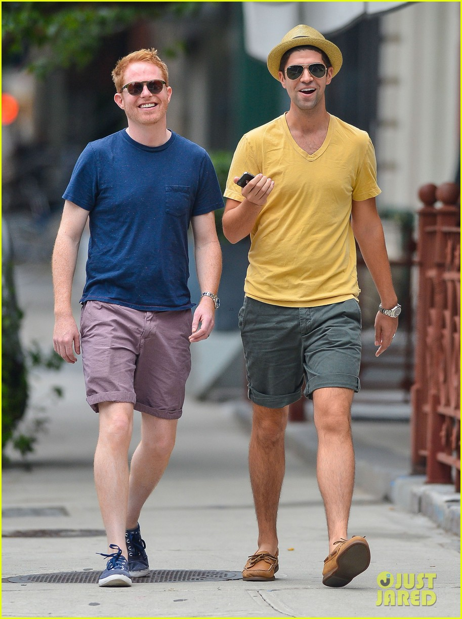 jesse tyler ferguson justin mikita newlyweds in new york 072914205