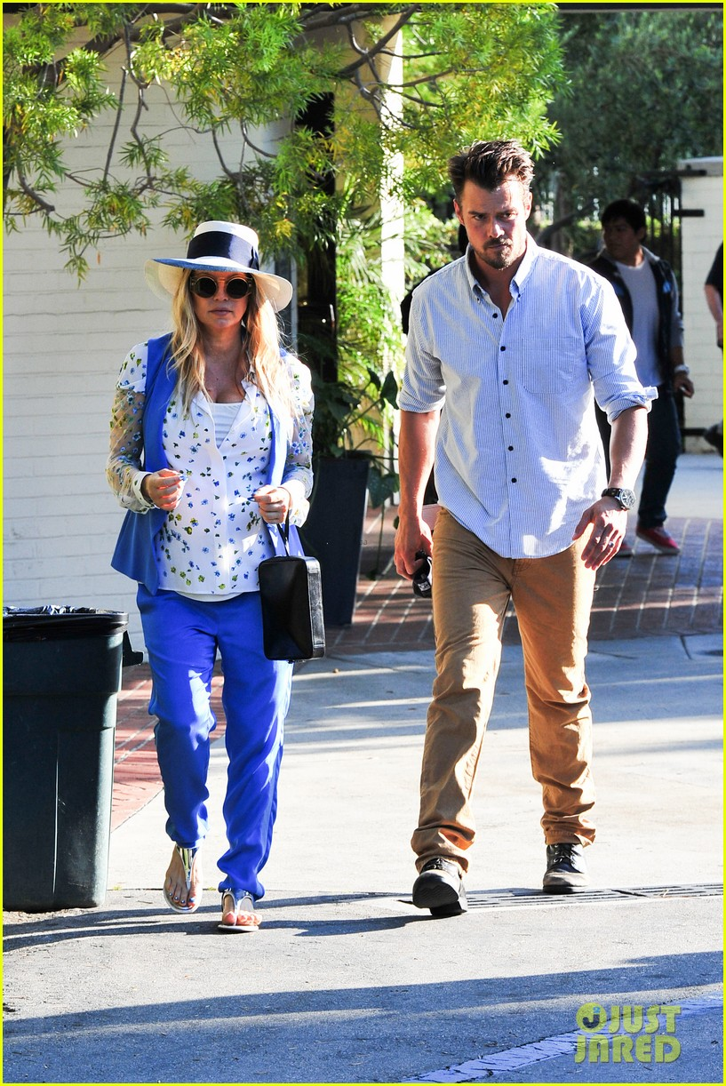 fergie josh duhamel go to church before baby shower day 112919785