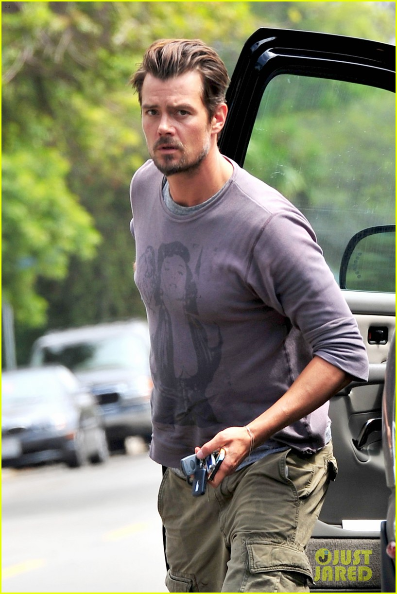 fergie josh duhamel go to church before baby shower day 22
