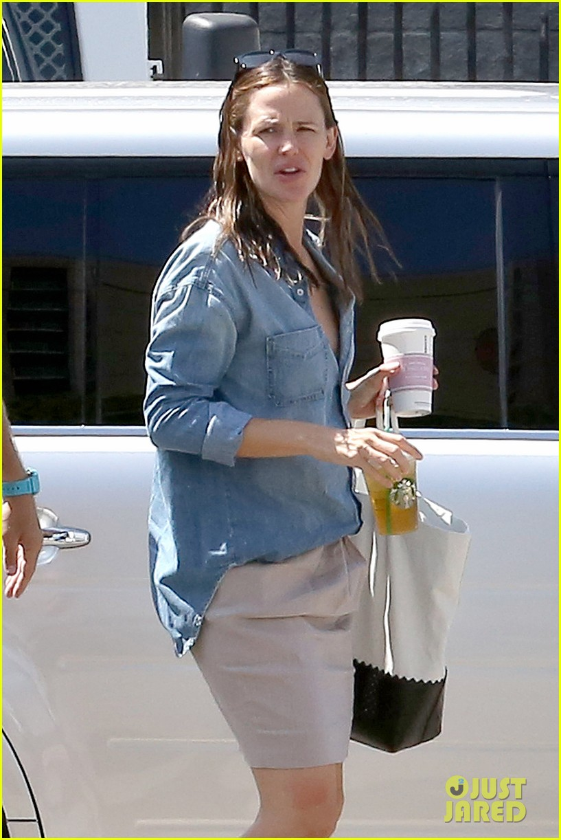 jennifer garner ben affleck matt damon start new production company 092920493