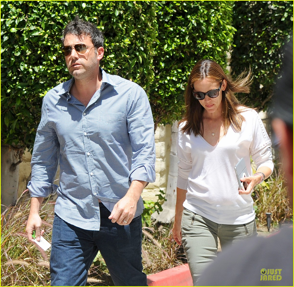 jennifer garner ben affleck lawyers office after max mara news 022910484