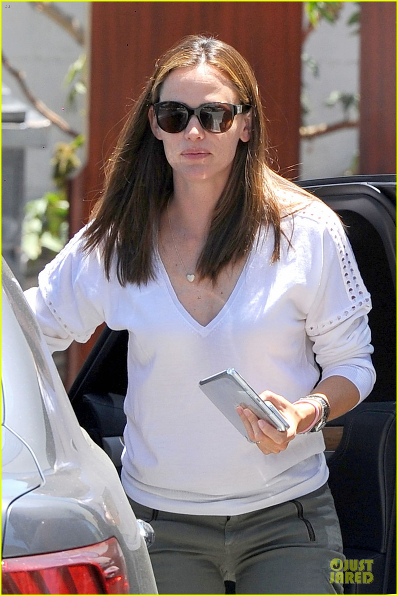 jennifer garner ben affleck lawyers office after max mara news 042910486