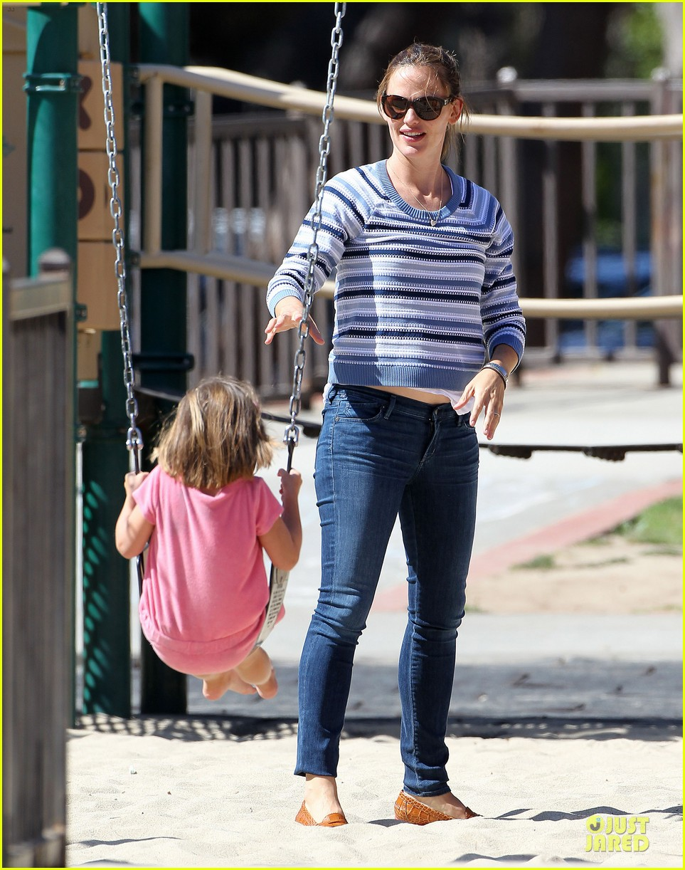 jennifer garner kids park date after jimmy kimmel wedding 032910026