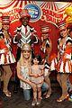sarah michelle gellar neil patrick harris circus with the kids 01