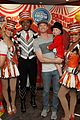 sarah michelle gellar neil patrick harris circus with the kids 04