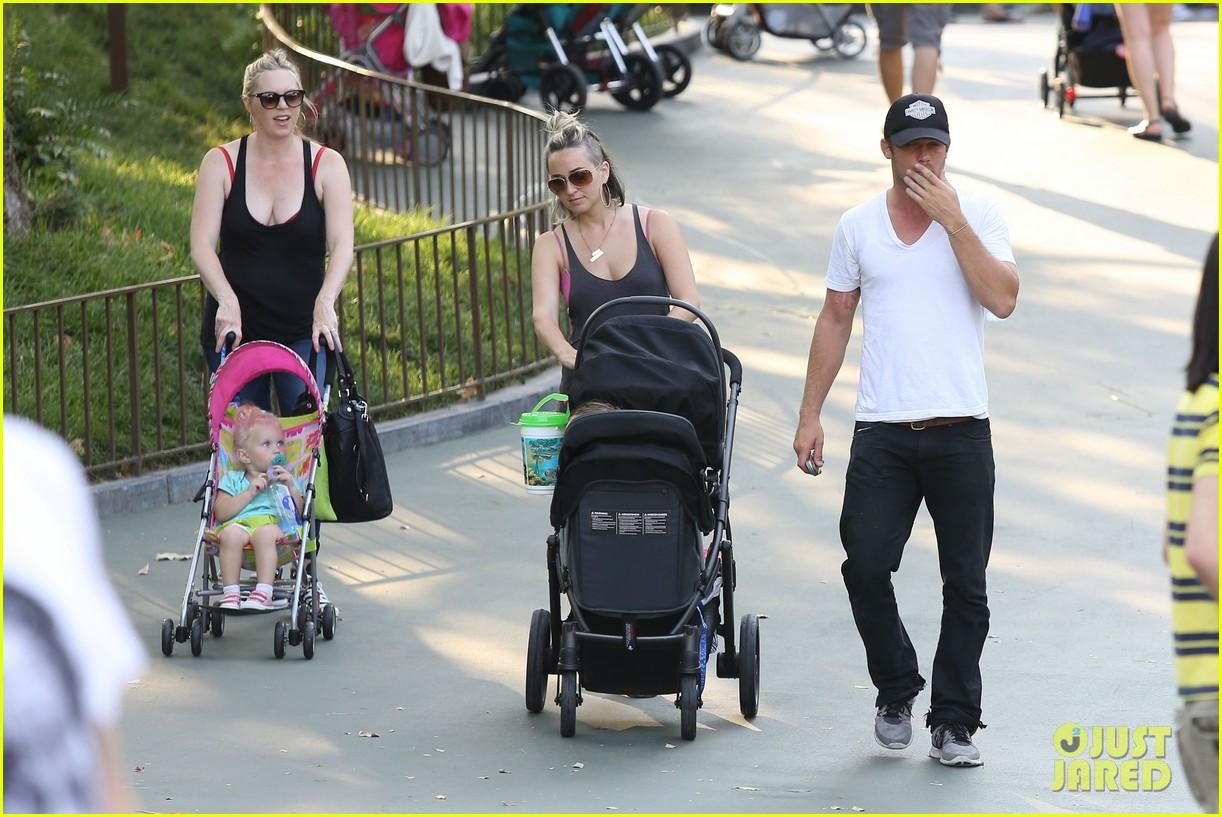 cam gigandet debuts baby rekker on family disney trip 302902559