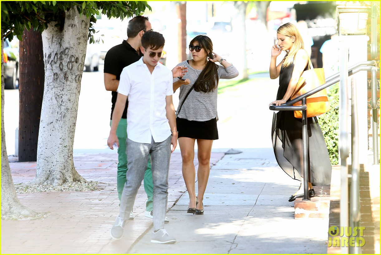 glee cast grabs lunch together after cory monteith memorial 29