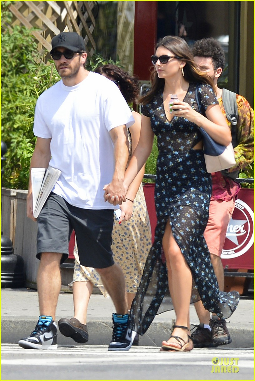 jake gyllenhaal alyssa miller sant ambroeus date after into the woods exit 042914830