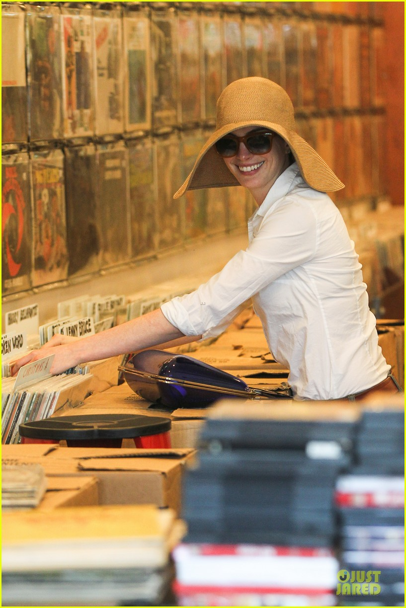 anne hathaway adam shulman search for vintage vinyl records 05