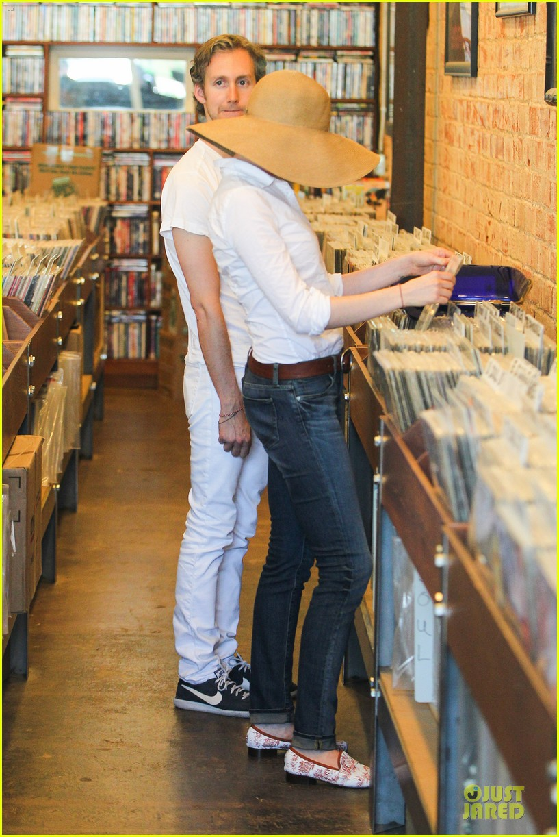 anne hathaway adam shulman search for vintage vinyl records 192906712