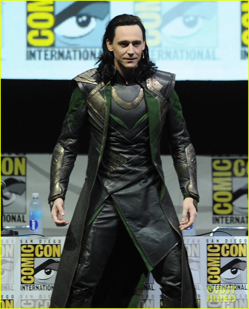 tom hiddleston attends thor comic con panel as loki 082913455