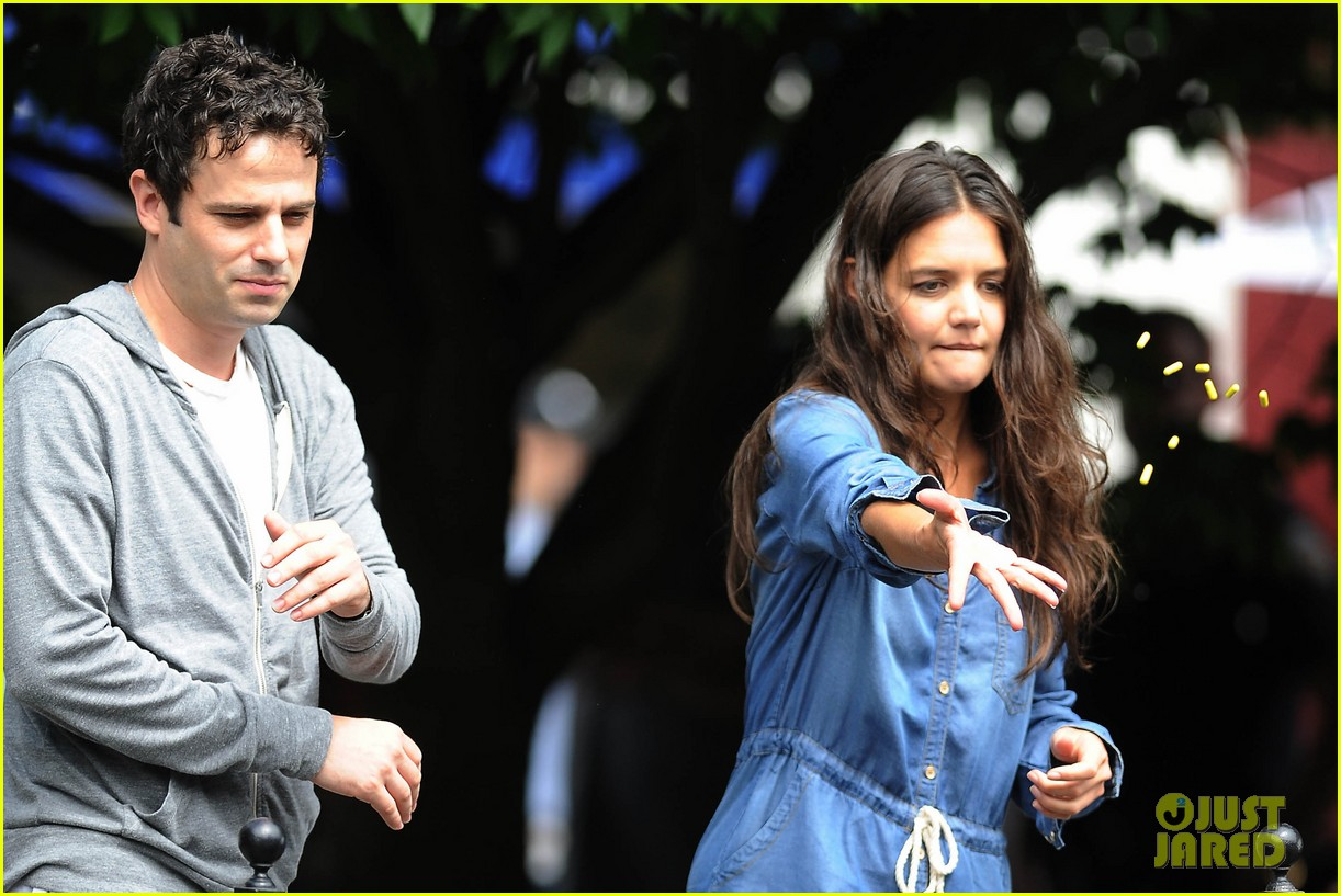 katie holmes luke kirby back to work on mania days 022915211