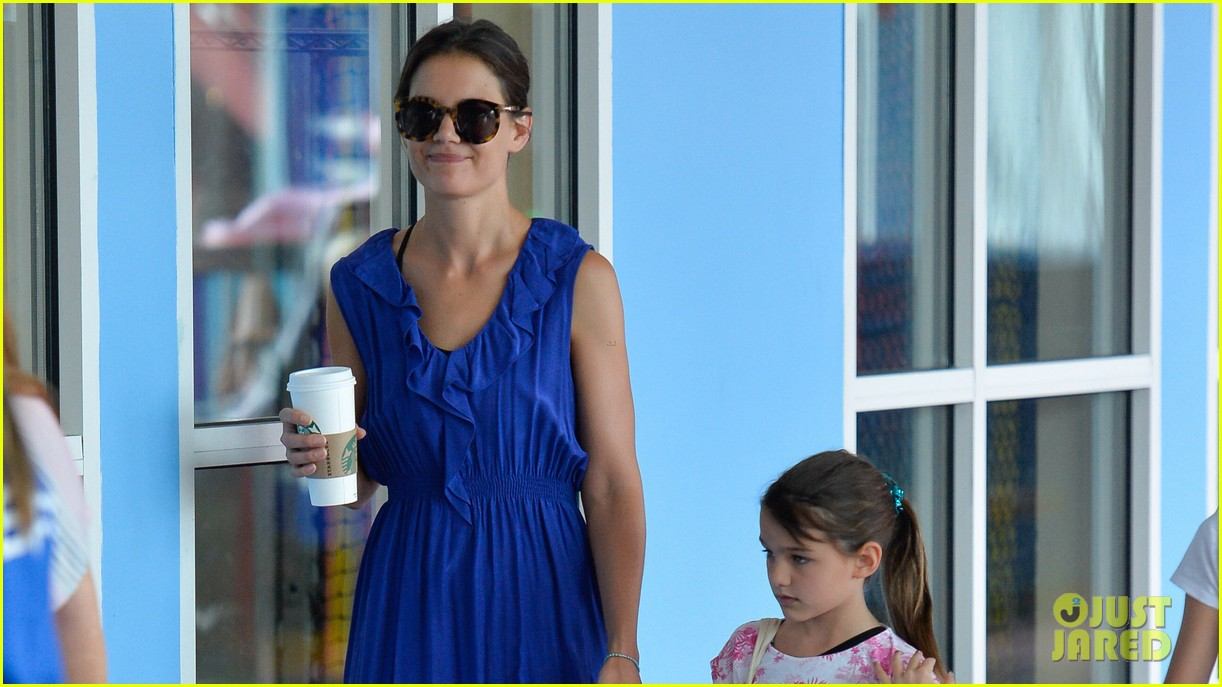 katie holmes suri good morning chelsea pier 042907874