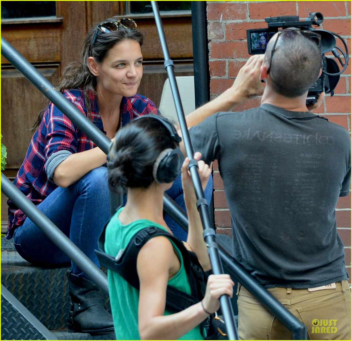 katie holmes short video shoot in the big apple 042919655