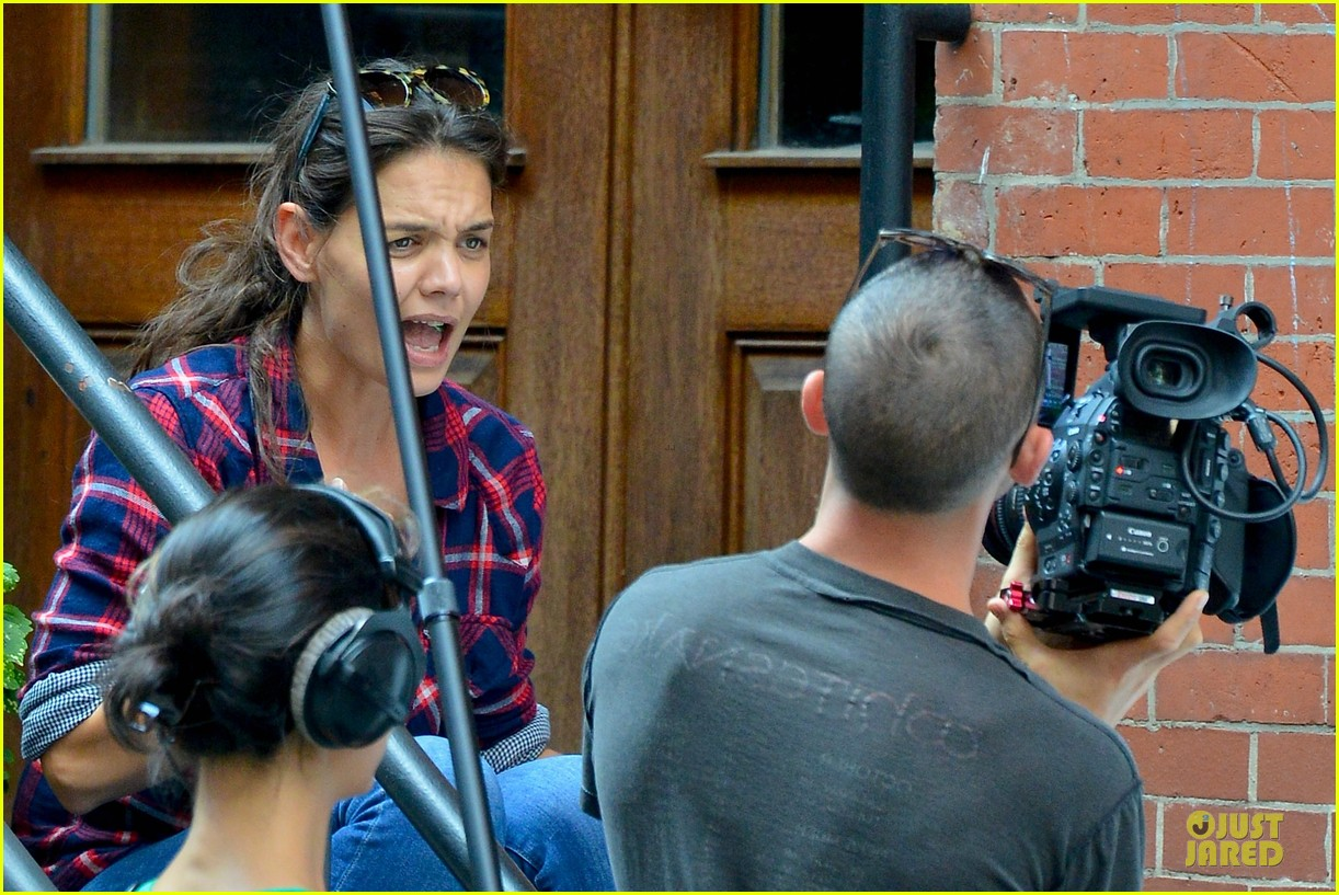 katie holmes short video shoot in the big apple 122919663