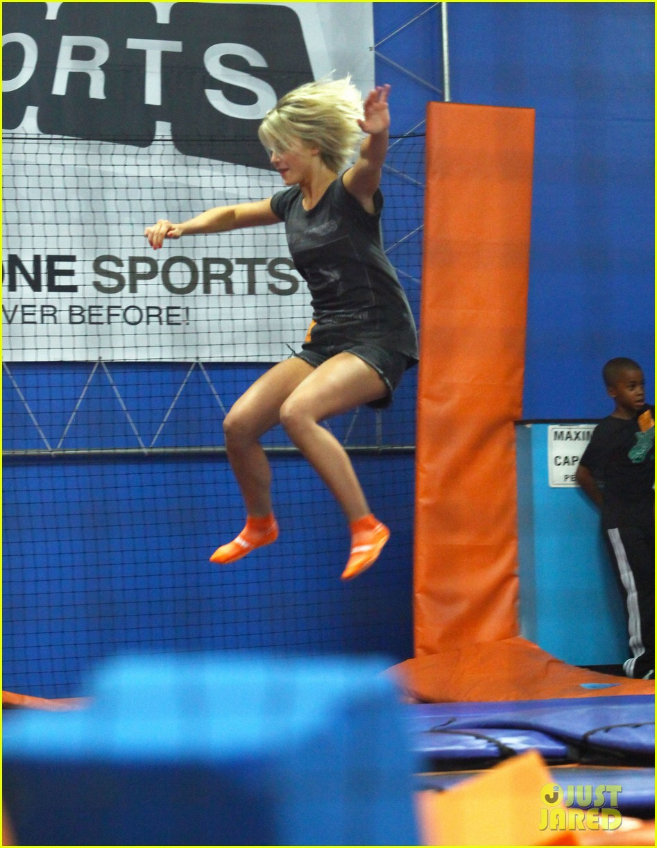 julianne hough tumbles in the air at trampoline park 292908453