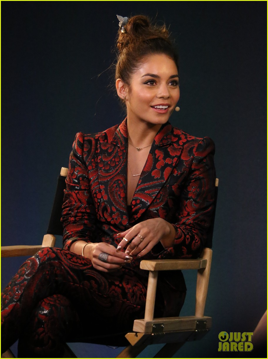 vanessa hudgens promotes at the apple store 132910399