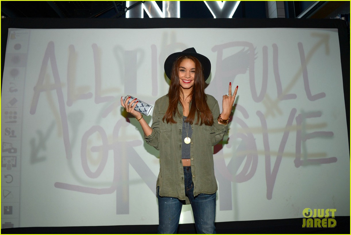 vanessa hudgens ae rock your walk launch austin butler 332920910