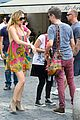 kate hudson matt bellamy fan friendly in rome 01