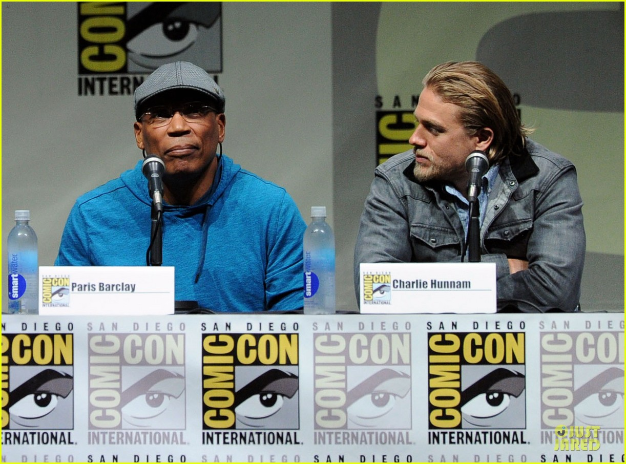 charlie hunnam son of anarchy panel at comic con 182914244