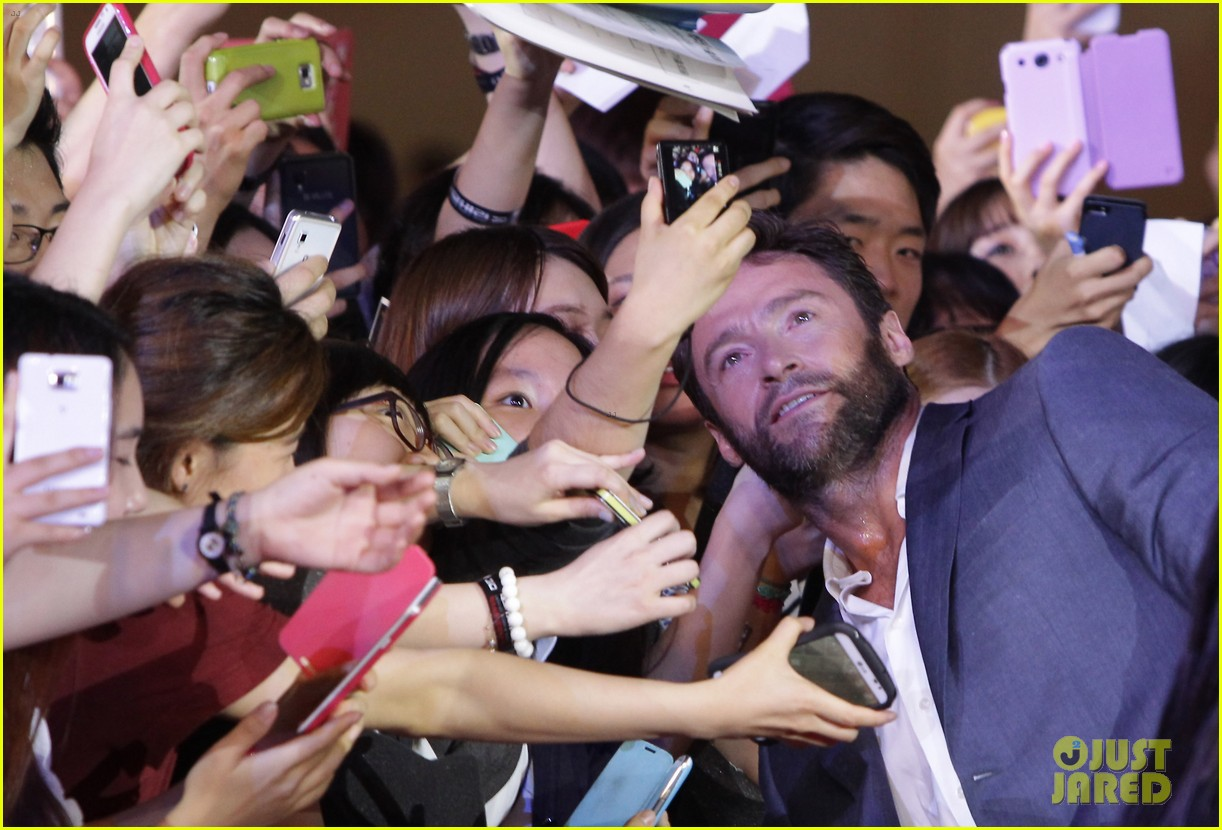 hugh jackman the wolverine south korea premiere 092909802