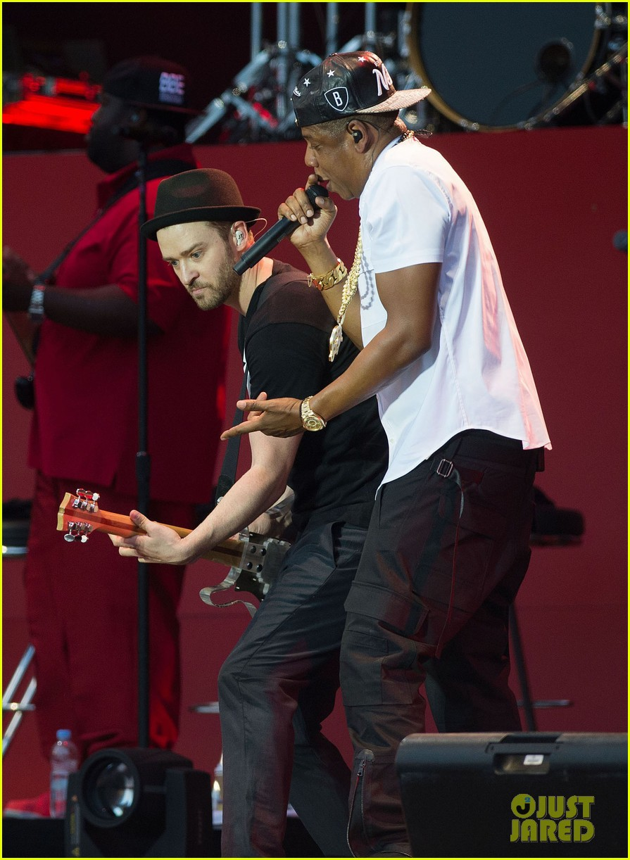 justin timberlake jay z perform at wireless festival 01