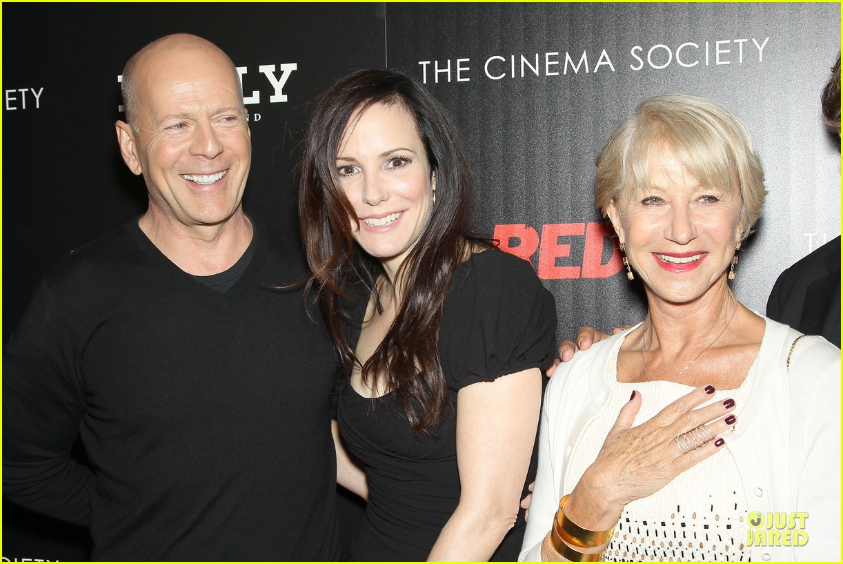catherine zeta jones helen mirren red 2 nyc screening 022910585