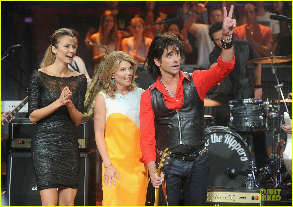 stacy keibler joins jesse the rippers on fallon 12