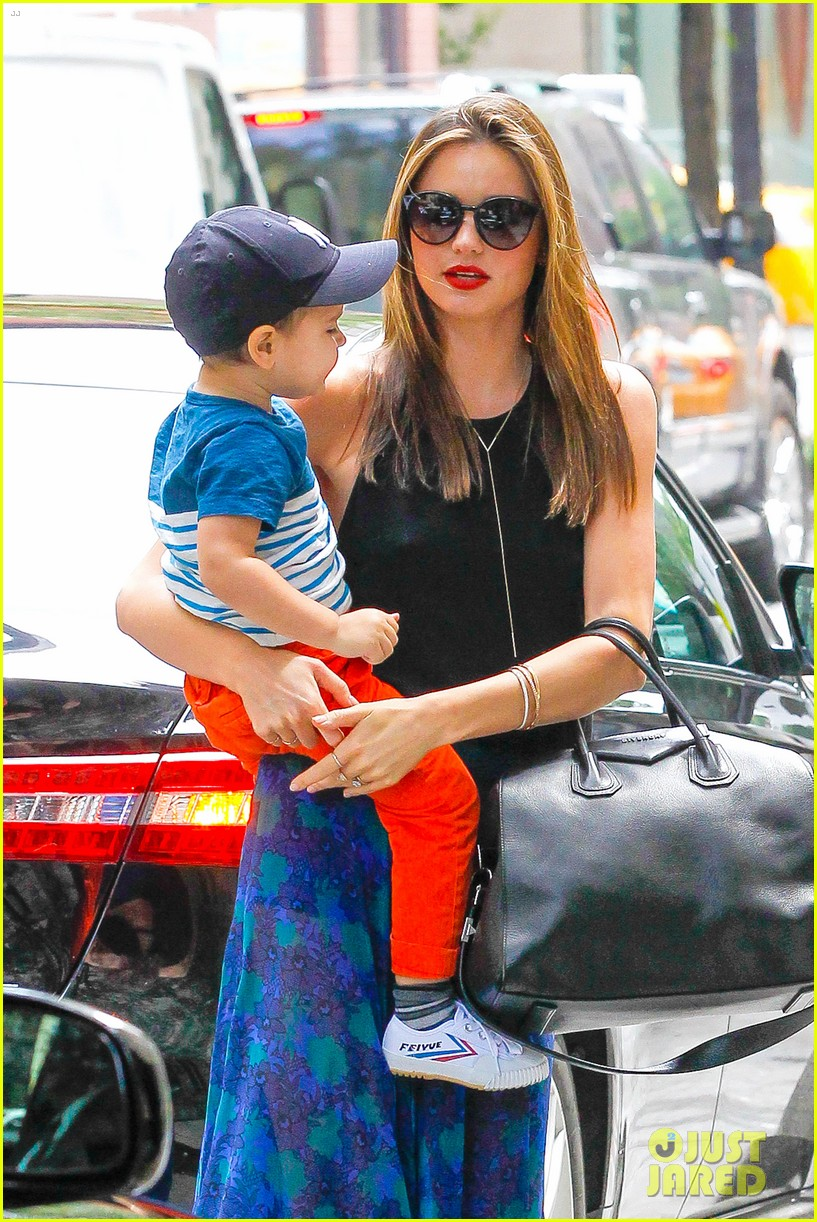 miranda kerr orlando bloom family day with flynn 072908846