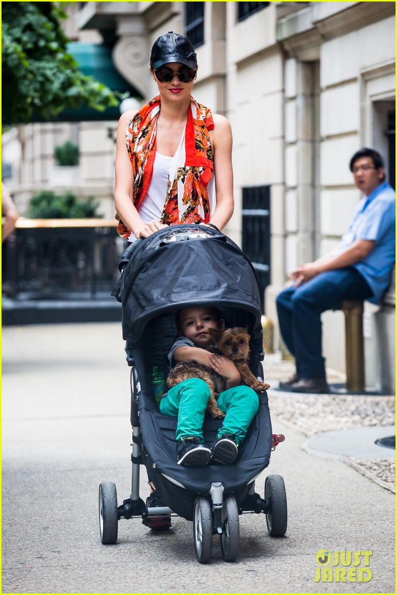 miranda kerr central park morning with flynn frankie 05