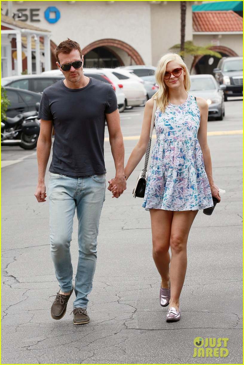 pregnant jaime king a voltre sante brunch with kyle newman 122914545
