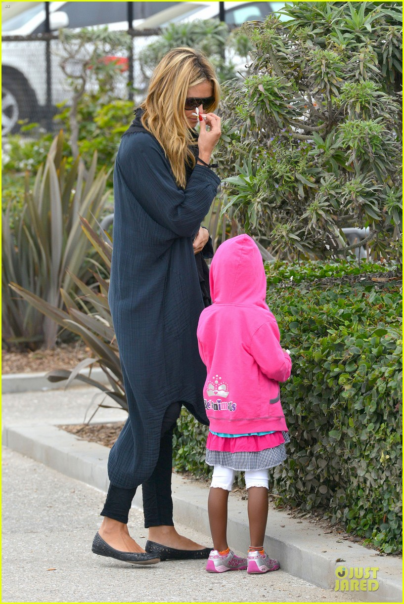 heidi klum martin kirsten venice beach bonding after nyc departure 14